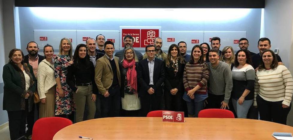 Gallardo presenta su lista del PSOE en Villanueva de la Serena, que mezcla «experiencia y renovación»
