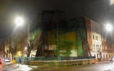 En estado crítico tras caer de un andamio desde un tercer piso en Badajoz