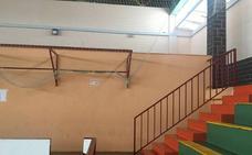 Roban móviles, dinero y ropa a futbolistas juveniles del Extremadura en el polideportivo de Almendralejo
