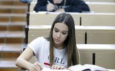 Solo dos de cada diez extremeños tienen estudios superiores, la tasa más baja del país