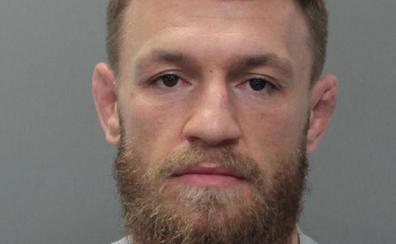 Arrestan a Conor McGregor por destrozar el teléfono móvil de un aficionado