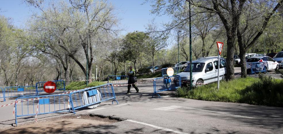 Restringen el aparcamiento en el Parque del Príncipe de Cáceres por un rodaje