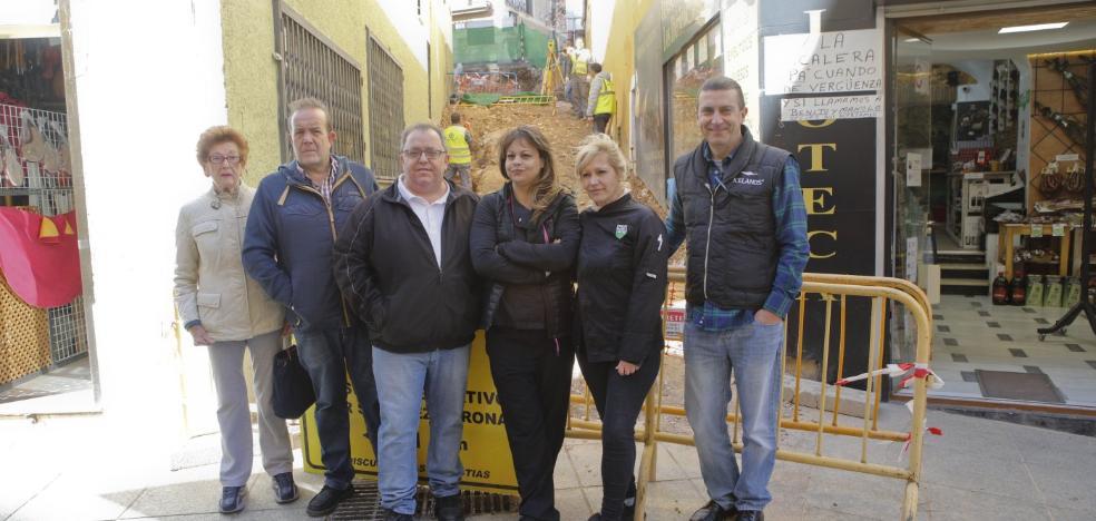 El comercio da el visto bueno a una pasarela provisional en Alzapiernas