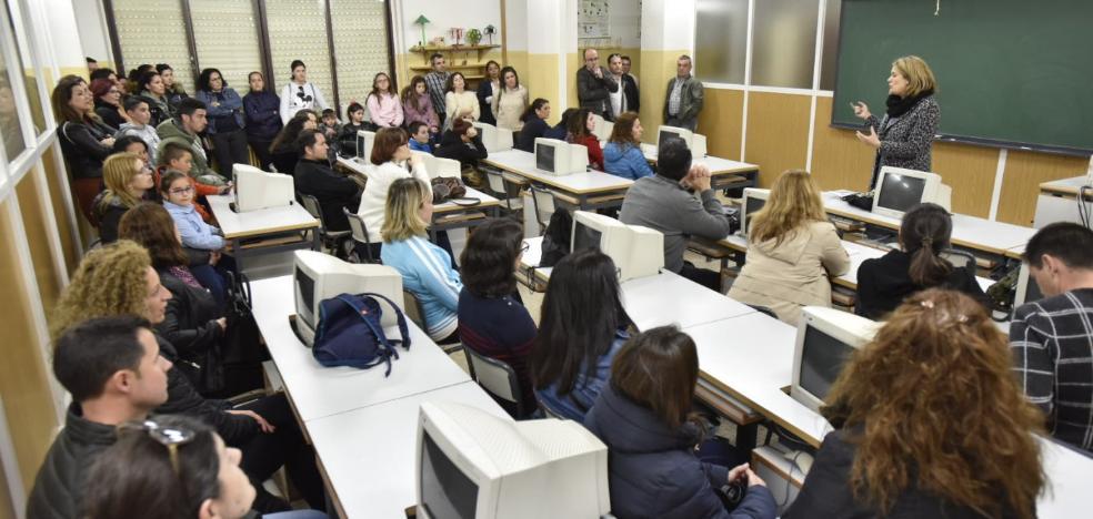 Padres de alumnos piden un aula más en el instituto San Fernando de Badajoz