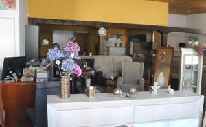 La Agencia Tributaria inspecciona dos locales de muebles de la región