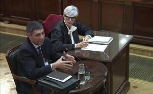 Trapero acusa a Forn de «irresponsable» y critica la «deriva política» del Govern con el 'procés'
