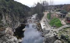 Renovado aspecto de la zona natural de baño de Alardos