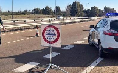 Detenido en Badajoz tras robar en Gévora, darse a la fuga y chocar contra los coches de los agentes