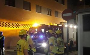 Tres coches afectados en el incendio de un garaje en Cáceres