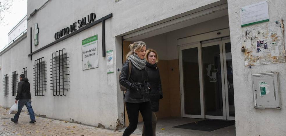 El Casco Antiguo de Badajoz se suma a la recogida de firmas para trasladar Los Pinos al Provincial