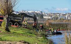 La UME culmina su misión y entrega el río «sin resto evidente de camalote»