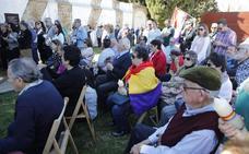 Unas 150 personas recuerdan a las víctimas del franquismo en Cáceres