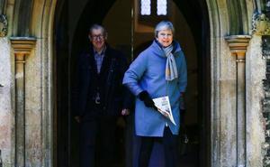 May pide pragmatismo a los diputados para apoyar su acuerdo del 'brexit'