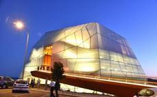 El Palacio de Congresos de Plasencia retoma las visitas guiadas nocturnas desde esta semana