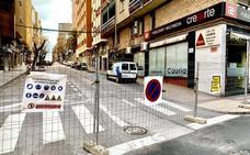 «Calle cortada por obras»