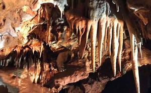 Nevado pide «paciencia» ante el hallazgo de las cuevas, que califica de «auténtica joya»
