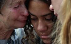 Los análisis forenses retrasan la entrega de los cuerpos a los familiares
