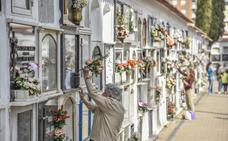 Los cementerios de Badajoz adoptan el horario de verano a partir del jueves