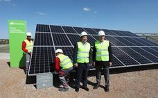 El sol ya brilla en la mayor fotovoltaica de Europa