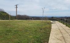 El Ayuntamiento de Jaraíz de la Vera arregla varias zonas verdes del casco urbano