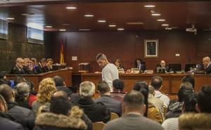 La fiscal mantiene las penas para los 30 acusados en el macrojuicio de 'los Hilarios'