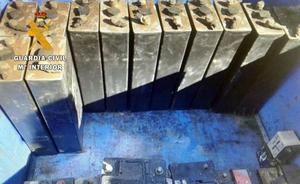 Detenido por robar 26 baterías y una bomba de presión en una empresa villanovense