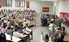 La Fundación Coca-Cola vuelve a retar a cientos de jóvenes extremeños en el Concurso de Relato Corto