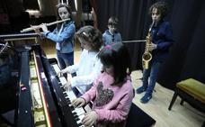 El Conservatorio quiere ampliar su oferta con percusión, canto o contrabajo