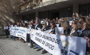 Un millar de abogados extremeños acumulan impagos del turno de oficio