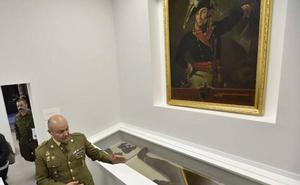 Visita guiada a la exposición sobre el General Menacho en el edificio de Capitanía