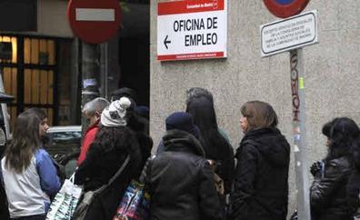 Uno de cada tres parados registrados no recibe prestación por desempleo