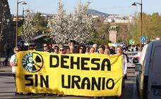 Más de 1.200 personas se concentran en Mérida contra la mina de uranio en la región