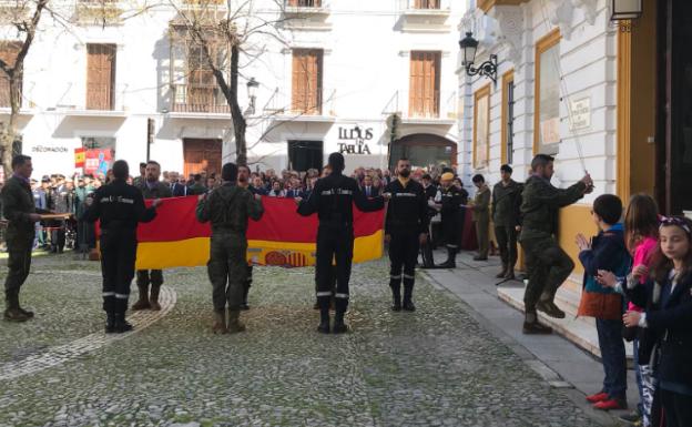 Los militares de la UME reciben el agradecimiento de Badajoz «orgullosos del deber cumplido»