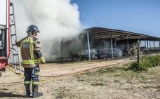 Los bomberos movilizaron a los efectivos de reserva para apagar el incendio de Gévora