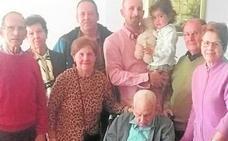 Eufemio Álvarez Corral, el 'abuelo' de Castilblanco, cumple 106 años