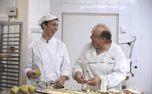 El programa 'la Caixa' Empleo Joven ha facilitado la contratación de 13 jóvenes en Extremadura