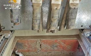 Una cantera de La Morera cesa su actividad laboral durante dos semanas por el robo de cobre