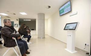 Vergeles afirma que «todo está bien justificado» en el Hospital de Cáceres
