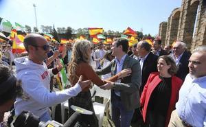 Casado dice que con él llegará el AVE a la región y Monago anuncia una consejería para luchar contra la despoblación