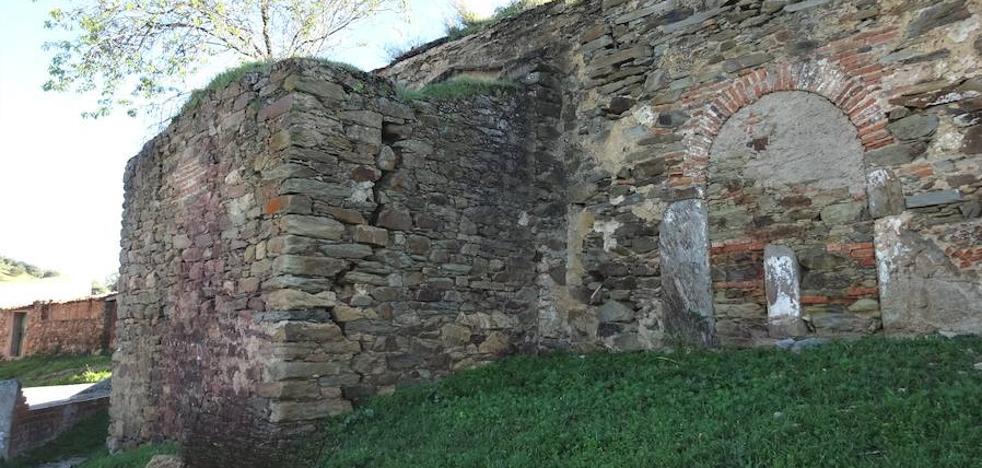 Talaván quiere rehabilitar la ermita en la que se encuentran los 'ángeles malos'
