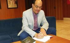 José Antonio Ramos, cronista oficial de Trujillo, publica por primera vez una novela