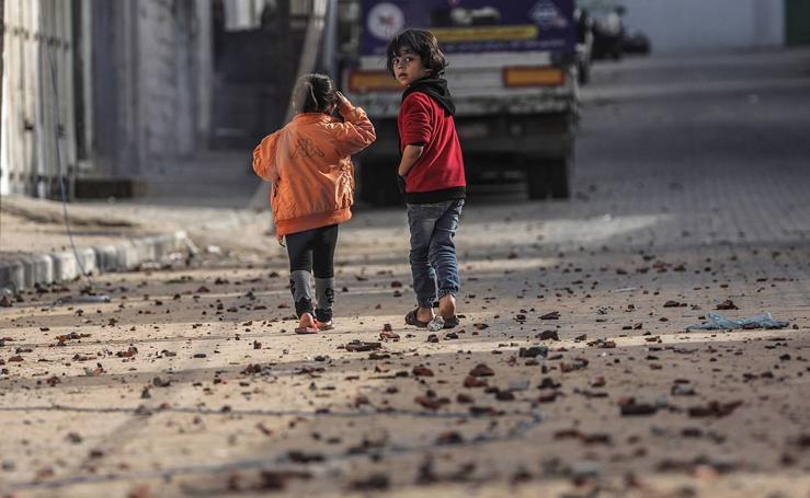 Israel restringe actividades cerca de Gaza tras lanzamiento de 30 cohetes