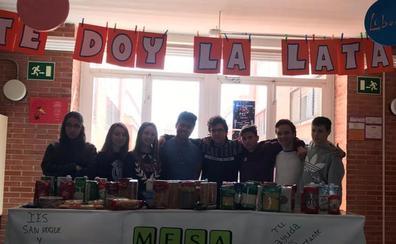 El IES San Roque recoge alimentos para el comedor social de Martín Cansado