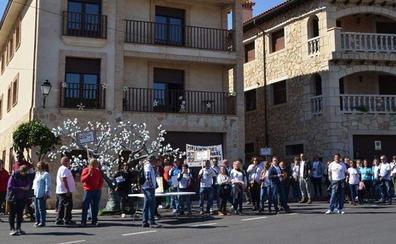 Protestas de los agricultores del Valle del Jerte en la fiesta del 'Cerezo en Flor'