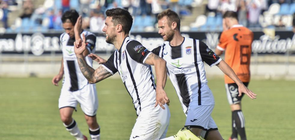 El Badajoz quiere el playoff