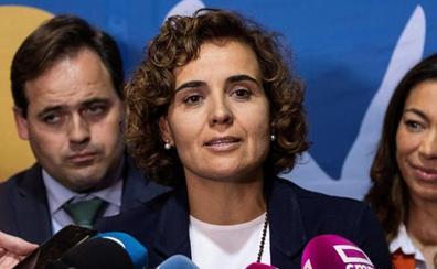 Casado pone a Montserrat al frente de una lista europea con guiños a exministros y a Aznar