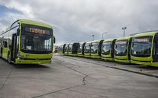 Los quince autobuses eléctricos empezarán a circular este mes en Badajoz