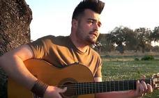 El himno de Extremadura suena en la dehesa con toques flamencos
