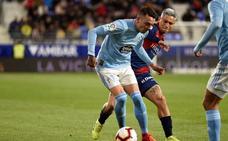 La falta de acierto del Huesca deja vivo al Celta en un partido loco