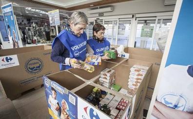 Los centros Carrefour de la provincia colaboran con una recogida de alimentos